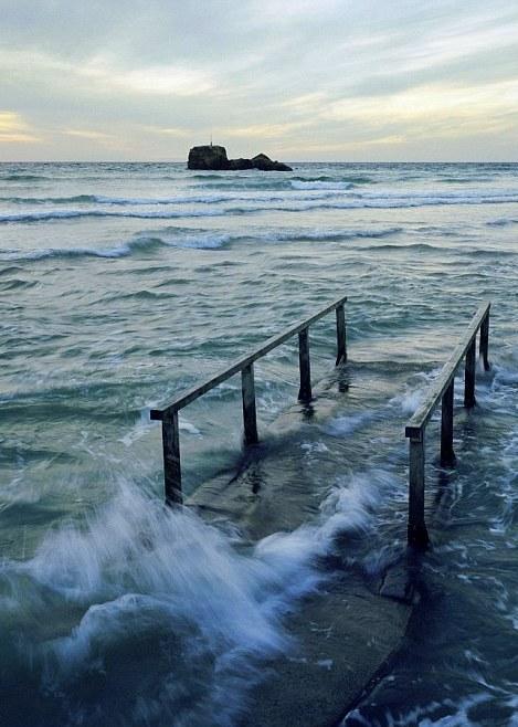 2-high tide